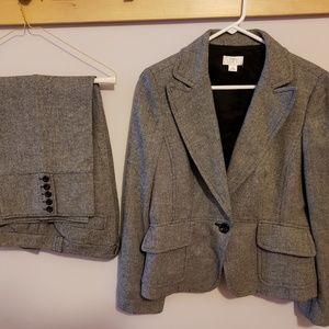 LOFT Suit with jacket with capri slacks